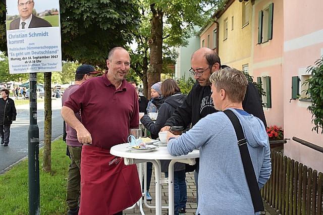 https://heimatverein-wilhermsdorf.de/images/rueckblick2017/kerwakaffee_2017/DSC_0008baJPG.jpg